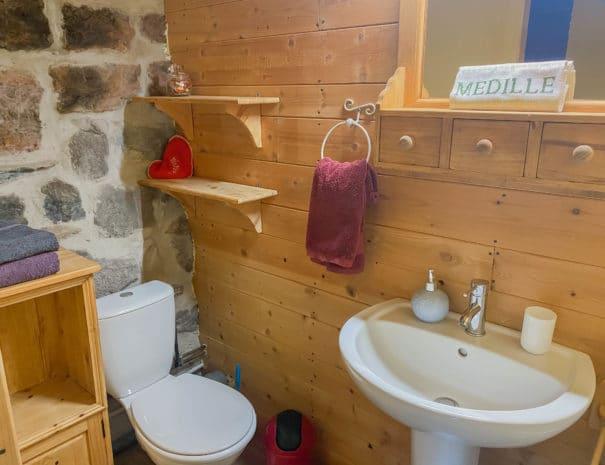 """Chambre d'hôtes """"Les Épilobes"""" : présentation de la salle d'eau"""
