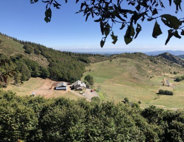 La Ferme vue de la colline