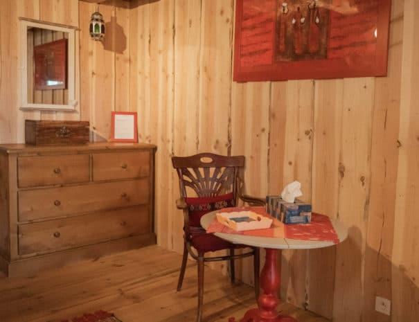 photo table - chambre d'hôtes - les bruyères